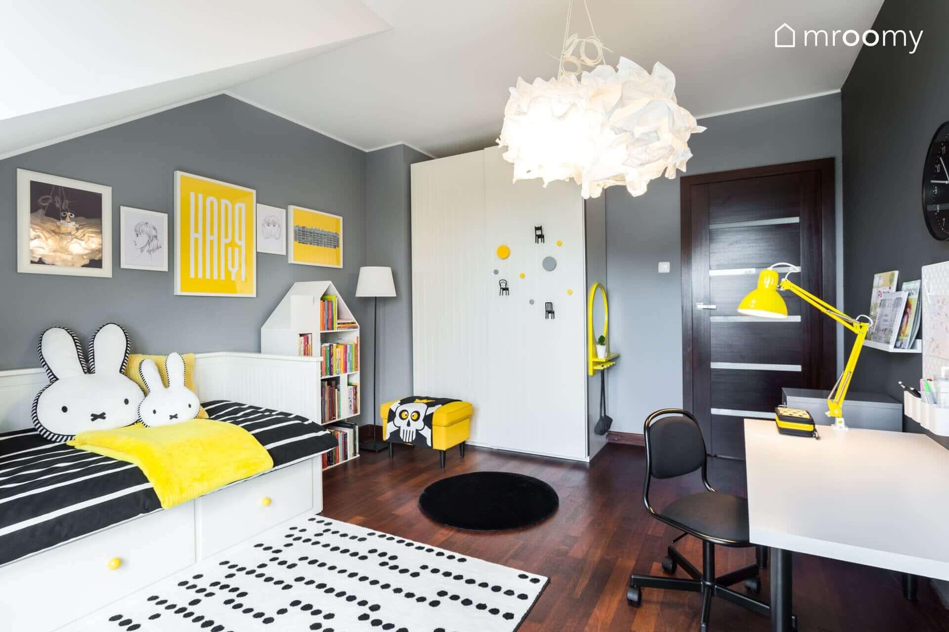 żółto czarny pokój dziewczynki 6 lat szafa