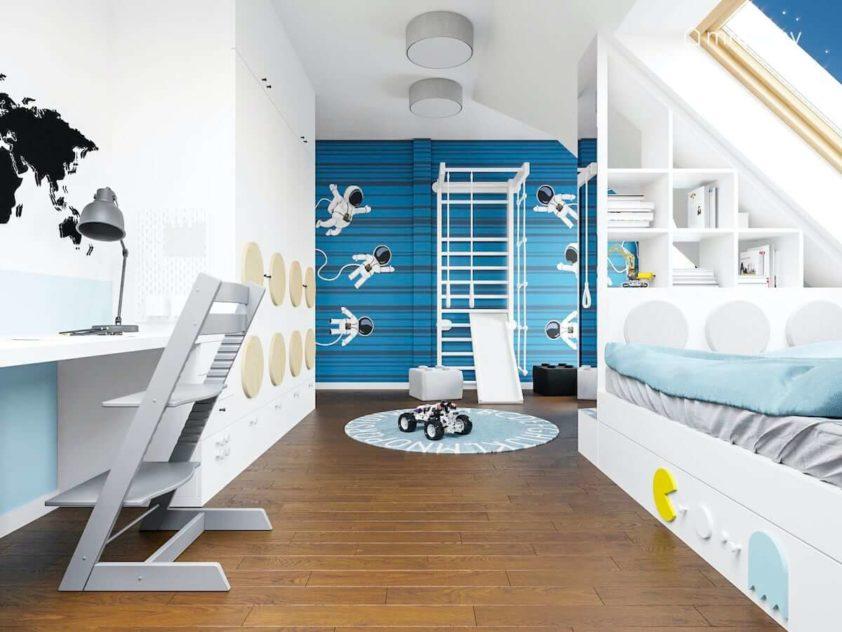 Łóżko biurko drabinka gimnastyczna w pokoju chłopca na poddaszu z tapetą w kosmonautów