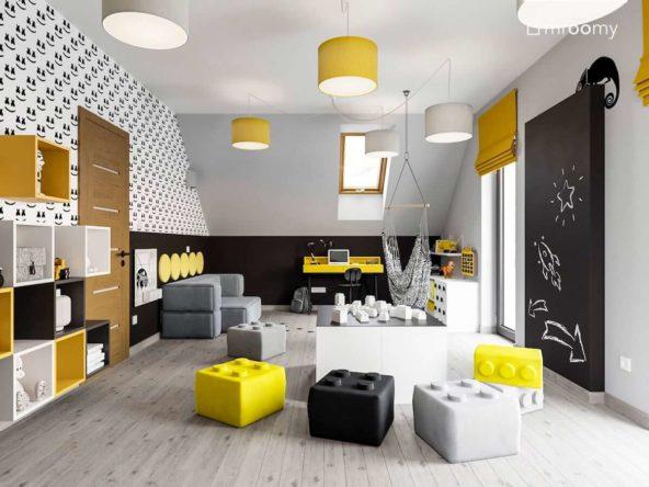 Poddaszowy pokój chłopca w żółto szarych kolorach z dużymi pufami lego