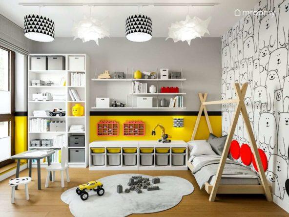 Łóżko tipi białe meble kawałek żółtej ściany dywan chmurka i tapeta w psy w pokoju małego chłopca